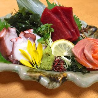 毎日仕入れ!市場直送◎旬の魚を使用した絶品料理!