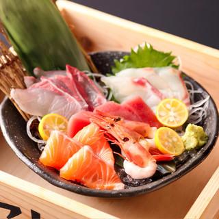 全国各地の漁港から『旬の魚』が届く店