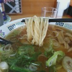 インター食堂 - 麺リフト 麺がトルネード