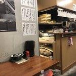 いぶきうどん - テーブルと製麺スペース
