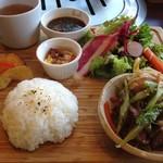 75687996 - お肉と野菜たっぷりのワンプレートランチ