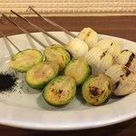 肉バル 炭焼きMEAT - 炭焼き野菜(芽キャベツ&ペコロス)