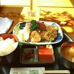 キッチングルメ味神戸 - 料理写真:一口かつ定食