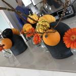 75691232 - 店内…かぼちゃの生け花