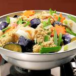 やくしま - 薩摩しゃもとたっぷり野菜のそぼろ鍋(味噌味)