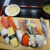ジャンボおしどり寿司 - 料理写真:にぎりで満腹セット