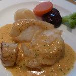 ビストロ ボン・グー・コクブ - カレイと帆立の雲丹風味ソース