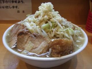 自家製太麺 ドカ盛 マッチョ 三ノ宮店 - ラーメン(中) 315g 野菜・アブラ・ニンニク増し