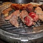 焼肉番長 - 料理写真:とにかく焼きましょう