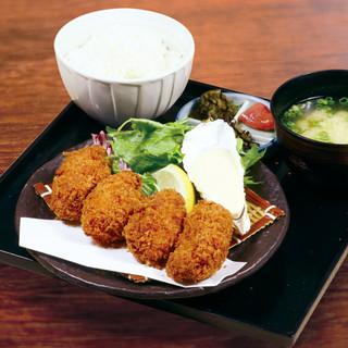 魚バカ一代 大漁旗 - 《ランチ》特大牡蠣フライ定食