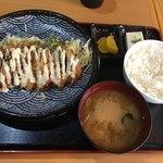串源屋 - 満腹チキンカツ南蛮風700円