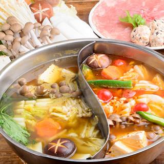 デートや宴会で人気のスープカレー鍋コース♪90分飲み放題付。