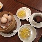 鵬天閣 - 海老餃子、フカヒレ入りスープ餃子、豚バラの角煮