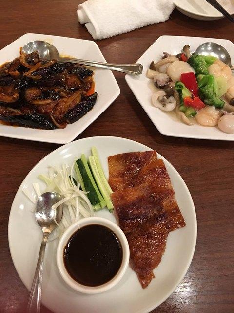 鵬天閣 - 北京ダッグ、麻婆茄子、
