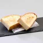 自家製パン(フォカッチャ)