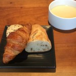 GRILL KONYA - パンとスープ