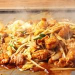 名古屋もつ焼き ひとすじ - 鉄板まぜ味噌とんちゃん焼き 名古屋めし♪ みそとんちゃん焼き