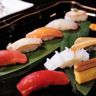 北海道直送の旬の食材を、粋と技で握る「蝦夷前鮨」