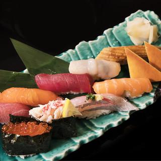 北海道直送の旬の食材を、粋な技で握る『蝦夷前鮨』