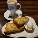 びっくりドンキー - 料理写真:モーニングセット・ポテサラトースト(429円)