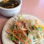 マリーザ浜名湖 - サラダとスープとドリンクバーが付いて 1人1500円位です。