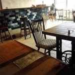 カフェ&リビング ウチダ - 店内の雰囲気①