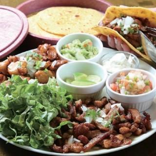 メキシコ定番屋台料理・タコス