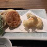 75745464 - 新鮮な小エビを使った天ぷら、野菜も美味しい