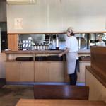 口福 - 席から眺めた厨房