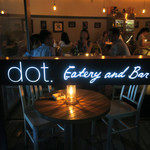 dot. Eatery and Bar - テラスから見る店内