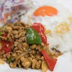 ソンポーン - 2017.11 ガイパッガパオ(1,200円)鶏肉のバジル炒めご飯