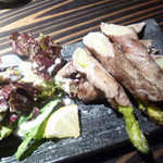 漁師料理 明神丸 - 藁焼き米豚アスパラ巻き
