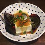 台湾 同客餃子館 - ピータン豆腐 300円