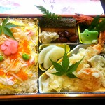 仕出し割烹 吉野 - 天ぷら、チラシ寿司弁当