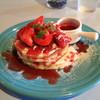 ブルーブルーカフェ - 料理写真:イチゴパンケーキ