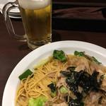 チロリン村 - ビールと焼きそば風スパゲティ(´∀`)