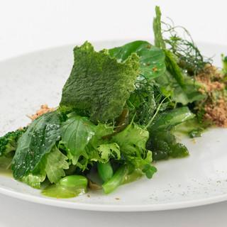 イタリア料理の基本理念に基づいた、五感で味わう最高のひと皿