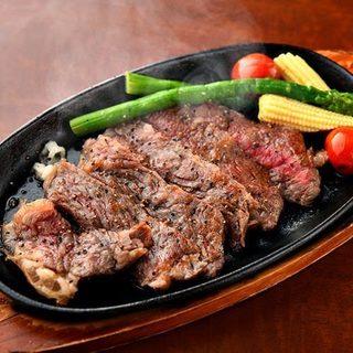 極上の和牛赤身ステーキ食べ放題あり!