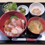 75765426 - 漬け丼定食 850円