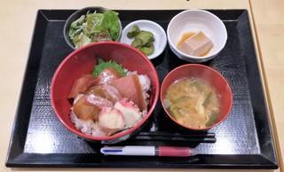 うま煮や - 漬け丼定食 850円