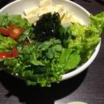 もつ鍋 福屋 - 料理写真:サラダ