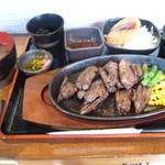 酒房 明石八 - 牛ハラミステーキ定食
