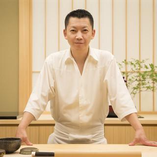 高橋青空氏(タカハシハルタカ)―伝統を新化させる、鮨の求道者