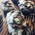 ブランジェカイチ - たっぷりレーズンパンがおいしく焼けました