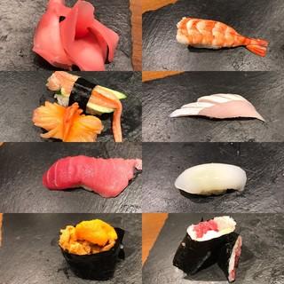 新鮮な魚介を用いたお寿司です!