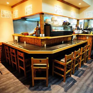 落ち着きのある和空間◆掘りこたつ席もございます!!
