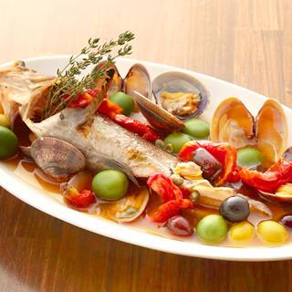 全国の漁港から直送♪季節を感じさせる、自慢の鮮魚たち!