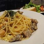 75774969 - ハーブソーセージとひよこ豆のチーズスパゲッティ