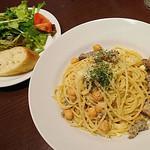 75774971 - ハーブソーセージとひよこ豆のチーズスパゲッティ