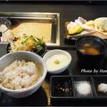 虹彩日和 - 肉・魚あいもり炙り5食御膳